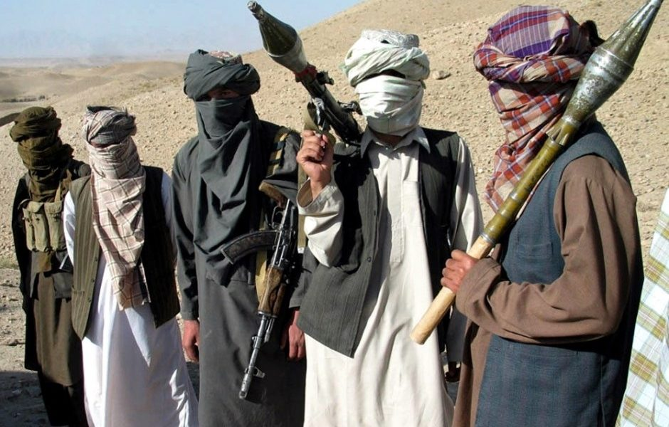 Talibanes matan a médicos y pacientes