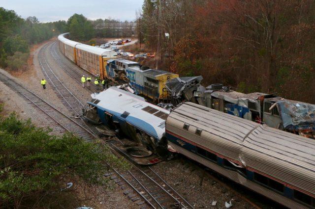 Accidente de tren en Carolina del Sur deja 2 muertos y docenas heridos