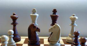 Universidad de Lethbridge utiliza el ajedrez para ayudar a los jóvenes con problemas