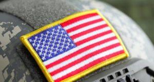 """Donald Trump firma nueva orden que prohíbe a las tropas transgénero servir en el ejército excepto en """"circunstancias limitadas"""""""