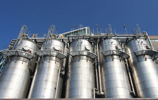 Gobierno de Alberta invierta en la industria petroquímica