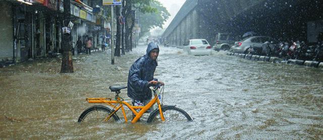 Inundaciones, casas colapsadas y 58 muertes han dejado las lluvias al norte de India