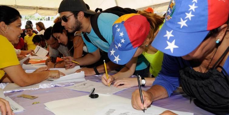 Venezolanos en Calgary participaron en el plebiscito contra la constituyente
