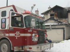 El frío extremo ha dificultado las labores de las cuadrillas de bomberos de Calgary