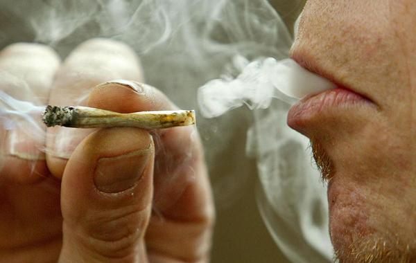 Edmonton prohíbe fumar tabaco y cannabis en la mayoría de los parques