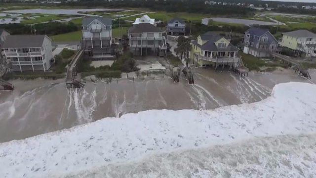 5 muertos y miles de personas sin energía eléctrica mientras las inundaciones causadas por Huracán Florence mantienen la alerta