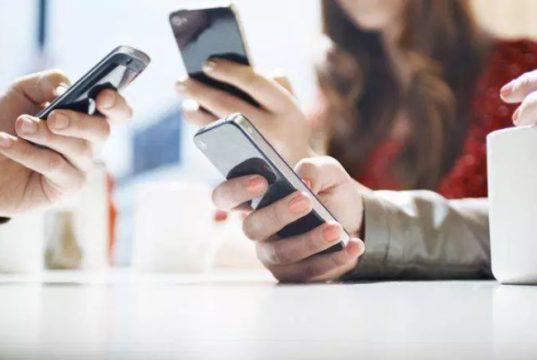 Jóvenes canadienses ahora pueden obtener ayuda sobre salud mental a través de Kids Help Phone