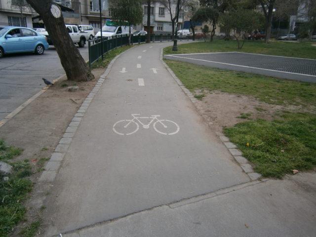 Comité vota para habilitar las ciclovías de Calgary para patinetas y patines