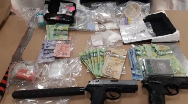 Policía de Calgary incautó $ 75K en drogas y arrestó a 3 hombres en la operación