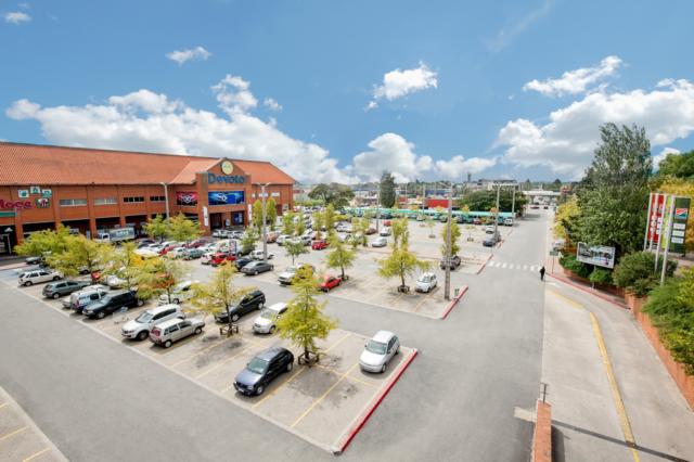 """Comité de Edmonton revisará el nuevo enfoque de estacionamiento """"basado en el mercado"""""""