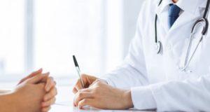 Médico admite que tuvo relaciones sexuales con una paciente vulnerable y adicta a los opioides
